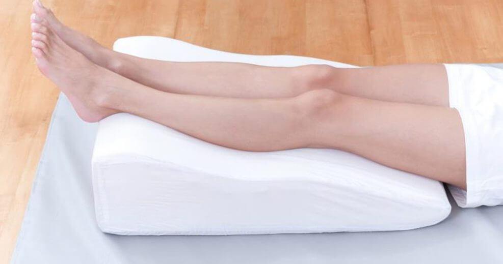 валик под ноги при варикозе