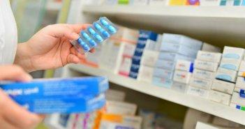 лекарство в аптеке